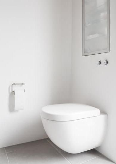 Как се монтира висяща тоалетна чиния