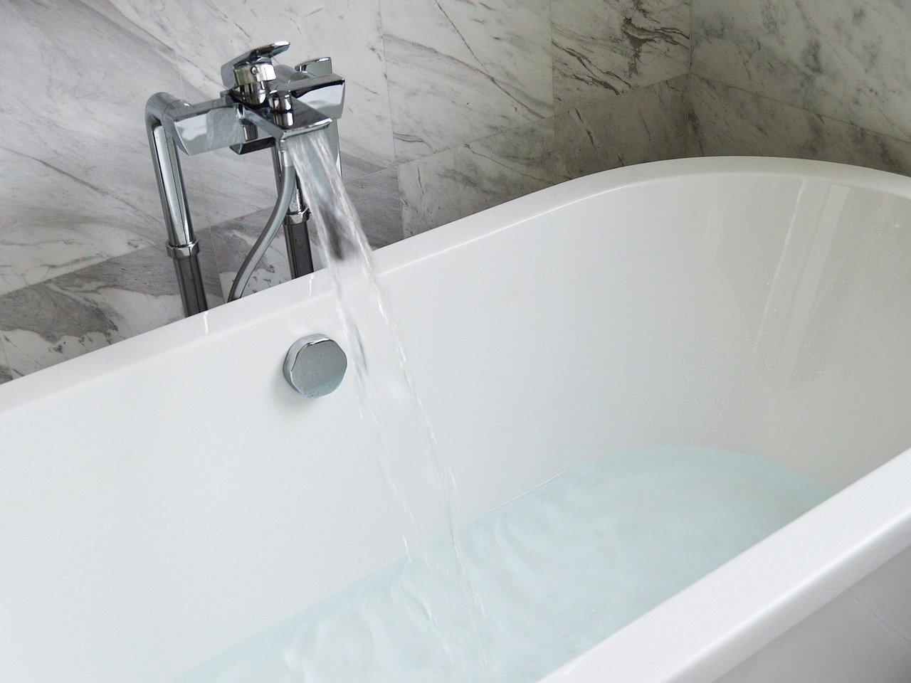 Колко литра вода събира една вана