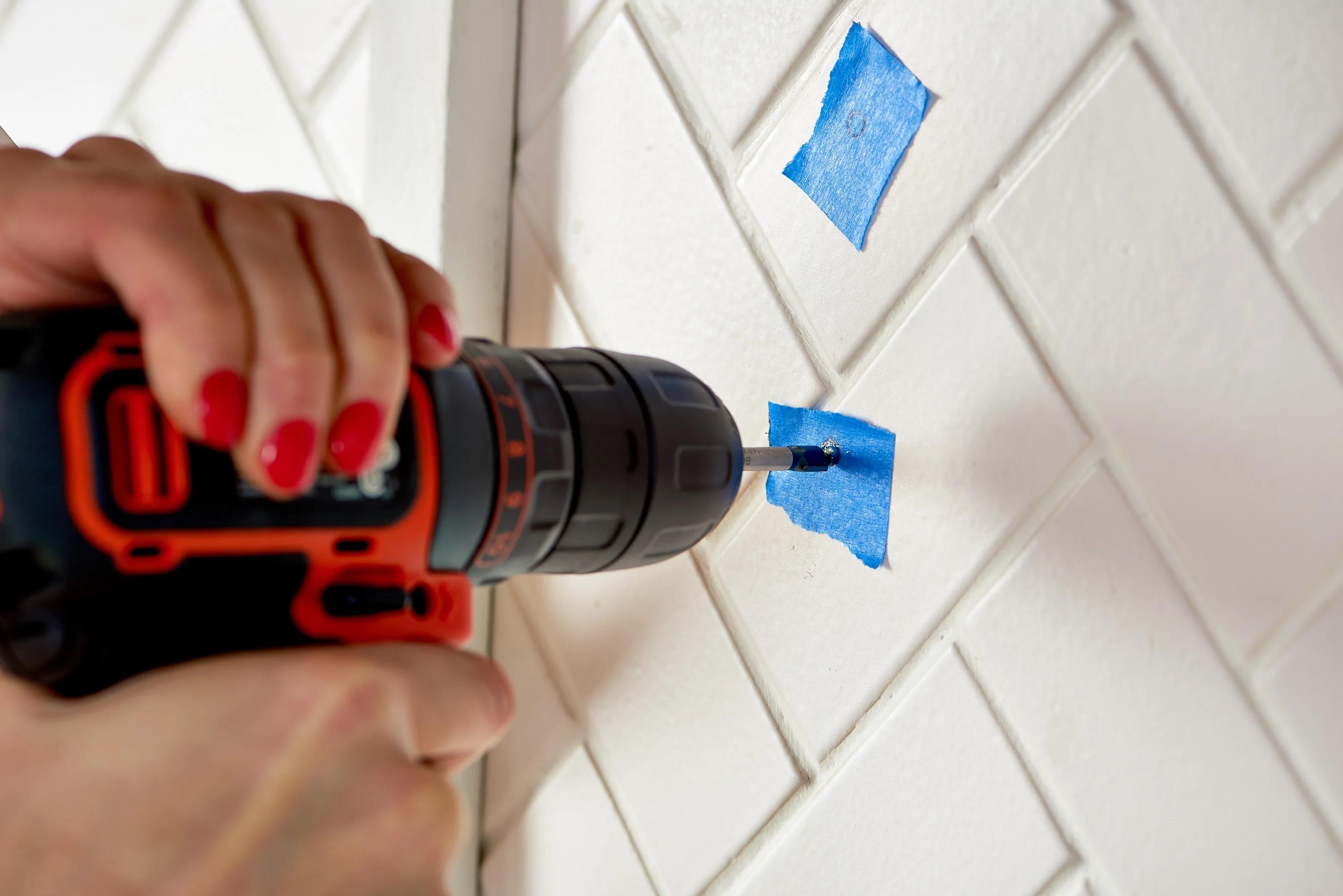 Как се пробиват мозаечни плочки