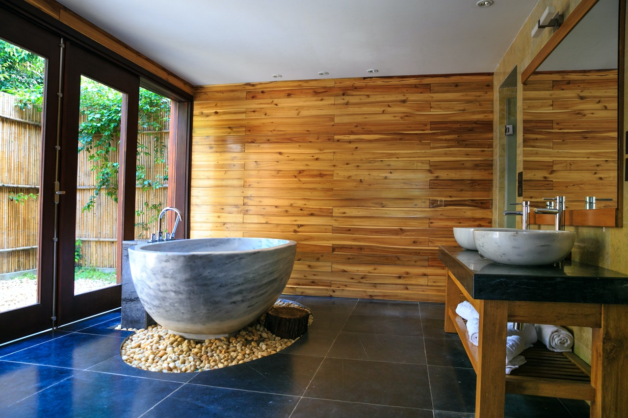 Да допълним азиатския стил с плот за баня