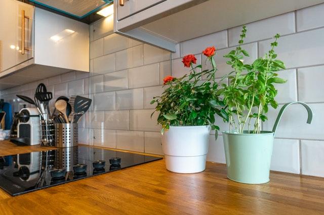 Как да придадете стил на кухнята си с гръб от плочки